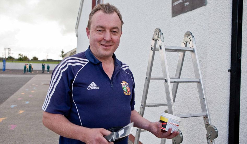 Worker from Gael Scoil Mhíchíl Cíosóg